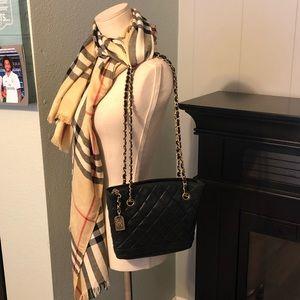 b3891189e451b7 Women Vintage Chanel Tote Bag on Poshmark